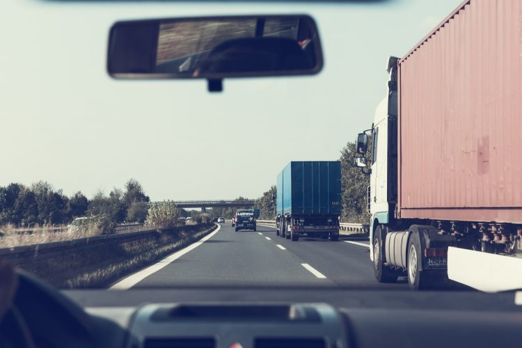Reliable long distance movers on highway