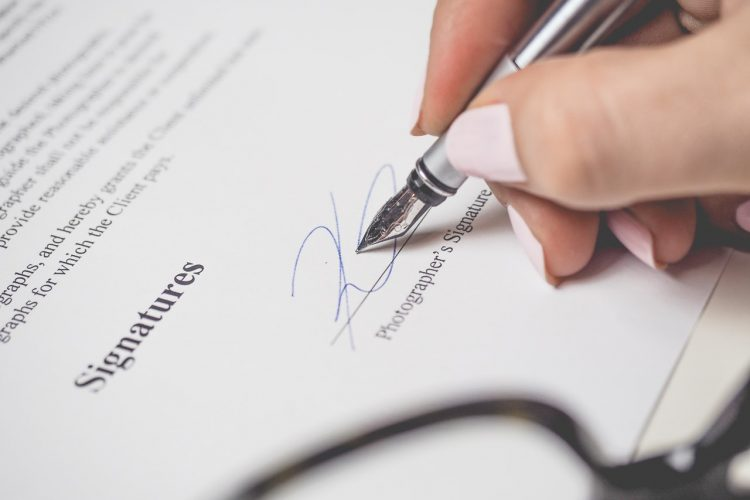 5 things to check out on your moving contract