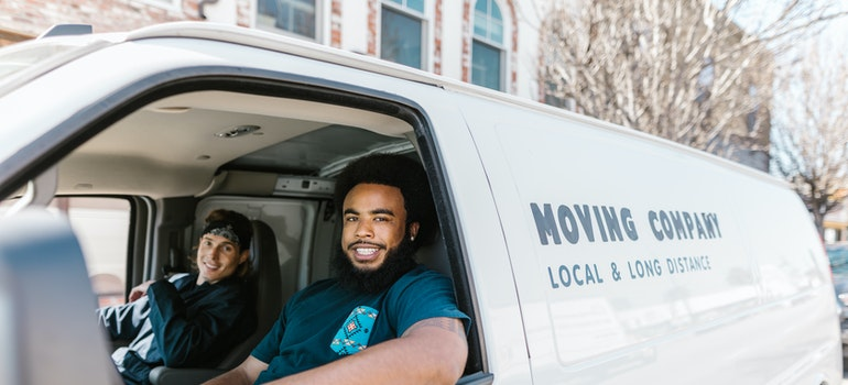 The best time of year to move to Chicago is when you find a reliable group of movers who will be able to execute your move